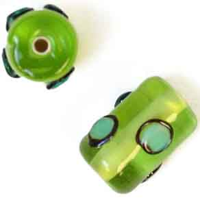GLASS LAMP BEAD 13x9mm ROLLER GREEN image