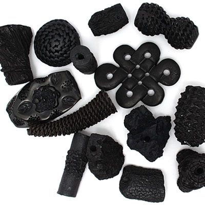 RESIN BEADS IRREGULAR CHUNKY SHAPES BLACK image